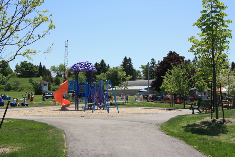 Cookstown5-Community-Park-Playground
