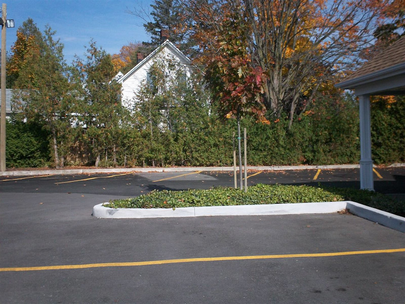 McEachnieFuneral4_Landscaping_Parking